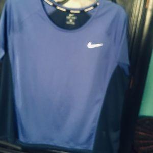 Nike xl top